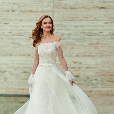 Brautkleid Rosa Clará, schulterfreies Hochzeitskleid, Brautmode