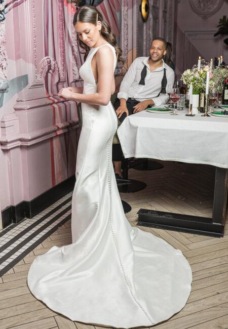Justin Alexande, Brautkleid mit Schleppe