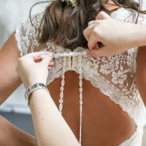 Brautkleid, Hochzeitskleid, Kleid mit Spitze, Brautkleidanprobe