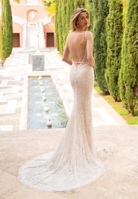 Enzoani Brautkleid, Braut, Hochzeitskleid, trends 2022, Parkanalage, Hochzeitsfotos