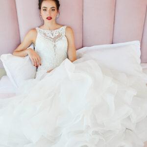 Braut, Hochzeitskleid, Brautkleid, Tüllkleid, Brautfrisur