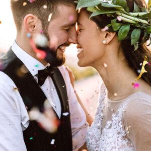 Fischer Trauringe, Trauringe, Brautpaar, Blütenkranz